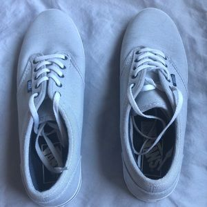 Vans tennis shoes